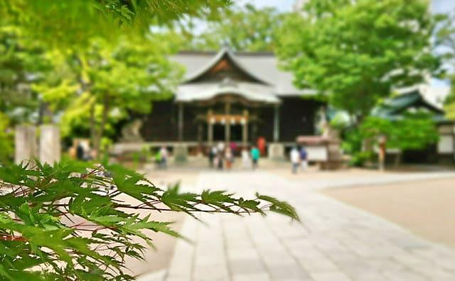 お宮詣りって神社に行くの?お寺でも良いの