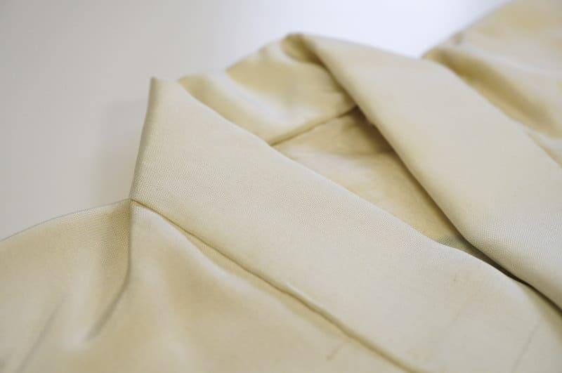 男児産着の保管中に酸化した染み抜きアフター